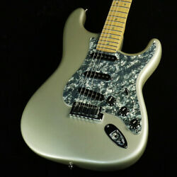 Used Fender Usa American Deluxe Stratocaster Electric Guitar 2005