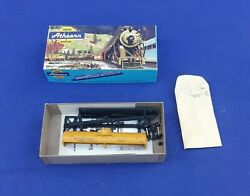 Ho Scale Athearn Southern Pacific Single Dome Tank Car For Gasoline 58577 Kit
