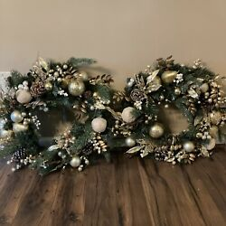 Gumps Christmas Wreaths Battery Operated Lights Gold Accents Glitter Pine Cones