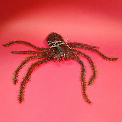 Vintage 60and039s / 70and039s / 80s Soft Rubber Hairy Spider With String Animals Jigglers