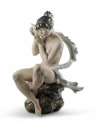 Lladro Whispers From The Sea Woman Figurine. Gres 01012549