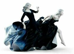 Lladro Night Approaches Women Figurine. Limited Edition 01008741