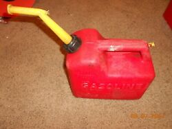 Chilton P-25 Pre-ban 2-1/2 Gal. Vented Gas Can