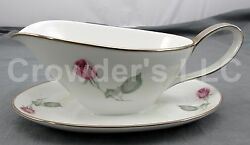 Hutschenreuther American Beauty Gravy Boat Attached Drip Plate Single Red Rose