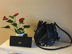 New coach bucket bag with tags $250.00