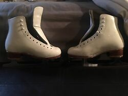 Riedell White Figure Skates With Mk Blades Size 3 Kids Or 5 Women.
