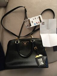Authentic Prada Shoulder Bag saffiano vernice 2Way glossy black with gold metal