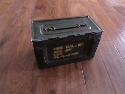 U.S MILITARY WWII  50 CAL AMMO CAN SIDE LOADER AMMUNITION CAN ARMY MARINE CORPS