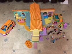 Dora The Explorer Talking Doll House Includes Van, Pool, Figures And Accessories