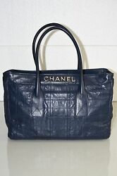 New Quilted Navy Leather Executive Tote Shopper Lambskin Lax E / W Bag