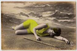 Lovely Beach Beauty In Swimsuit / Bademode Wassernixe Vintage 10s Tinted Rppc