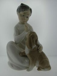 Lovely Lladro Porcelian Hand Painted Figurine