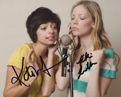 Riki Lindhome And Kate Micucci Signed Garfunkel And Oates 8x10 Photo 3
