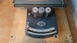 Early Typewriter - Antique Collectible Museum Quality Scripta Iii With Cover