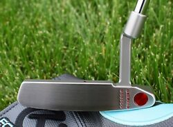 Scotty Cameron TOUR ONLY Timeless T2 Newport 2 GSS Vertical Stamp - TIGER WOODS