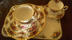 Royal Albert Fine Bone China Old Country Roses 8 Piece Set