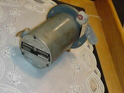 General Electric Tachometer Generator 5py59ey2b Rpm 5000 Voltage 28.2 Ac Used