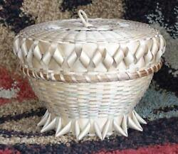 Vintage Authentic Native American Cherokee Indian White Oak Basket With Lid