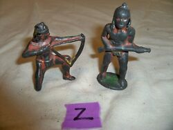 Lot Of 2 Vintage Barclay Lead Toy Figure Indian Kneeling, Indian Standing