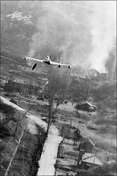 Poster Many Sizes F-80c F-80 Shooting Star Drops Napalm Bombs In Korea May 19
