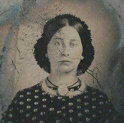 Civil War Era Ambrotype Photograph Beautiful Lady With Brooch And Blue Eyes