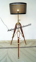 Adjustable Home Decorative Heavy Wood Stand Wooden Lamp Stand Shade Floor Tripod