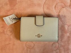 New W/ Tags Ivory White Chalk Coach Wallet