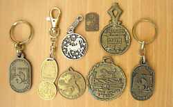 Judaica 8 Old Israeli Items – Keychains, Badge And Other Items