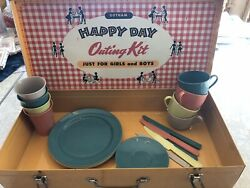 Vintage 1960s Gotham Happy Day Outing Kit Picnic Large Metal Lunchbox W/ Dishes