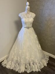 Ivory Lace Wedding Dress Size 8 With Capped Sleeves