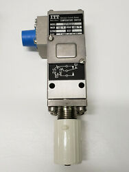 5930012629736 Switch Thermostatic 132t4s33-2
