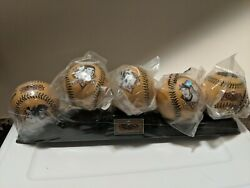 San Francisco Giants Legends Collectors Series Baseball Chevron Set And Stand Mint