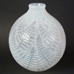 Rene Lalique Opalescent Glass And039espalionand039 Vase