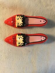 Betty Boop Red Shoes Pump Salt And Pepper Shakers New In Box Never Used 2005