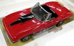 Franklin Mint Chevrolet 1967 Corvette Sting Ray 427 C2 1/12 Scale Rouge Vehicle