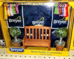 Breyer *LIMITED EDITION SHOW STABLE ACCESSORIES* Brand new in box NIB