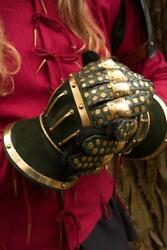 Larp 18ga Medieval Steel And Leather Hourglass Gauntlets Knight Armor Gloves