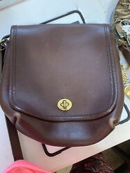 vintage coach brown leather crossbody $17.00