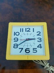 Vintage General Electric Yellow Wall Clock Model 2203 Made In Usa