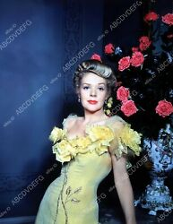 8b20-1900 Alice Faye And A Vase Of Roses 8b20-1900