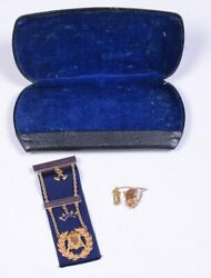 10kt Gold Masonic Knights Templar Merit Badge And Cross / Shield Pin With Case