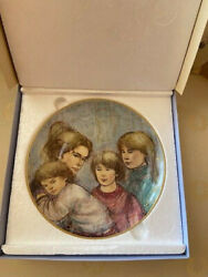 Set Of 4 Four Edna Hibel Plates The World I Love Excellent Pre-owned 13980