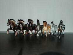 Breyer Stablemates Can be indivudial or as a lot mystery surprise sets