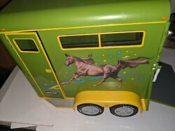 Breyer Traditional GREEN HORSE TRAILER