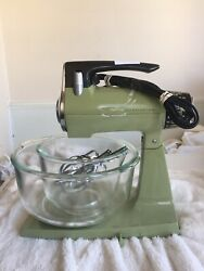 Vintage Sunbeam Stand Mixmaster Mixer Avocado Green Model 1-7a Glasbake Bowls