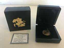 1915s George V Sovereign Uncirculated 22 Carat Gold In Prestigious Timber Case