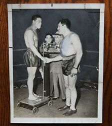 Original Vintage Boxing Photo: Joe Louis and Abe Simon Weigh In 1942 $39.95