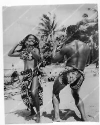 Crp-33614 South Pacific Islands Documentary Native Girls Dancing On The Beach Fi