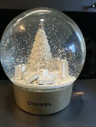 Snow Globe Gold And White Pre Owned Stunning