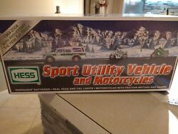 New In Box Hess Sports Utility Vehicle 1964-2004 40th Anniversary Toy Truck